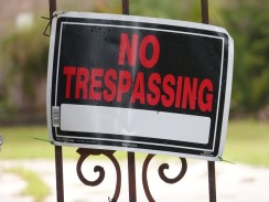 no-trespassing-1573596_640